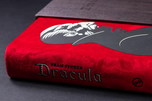 Dracula TE Spine