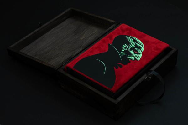Dracula SE Open Wooden Box (Glow)