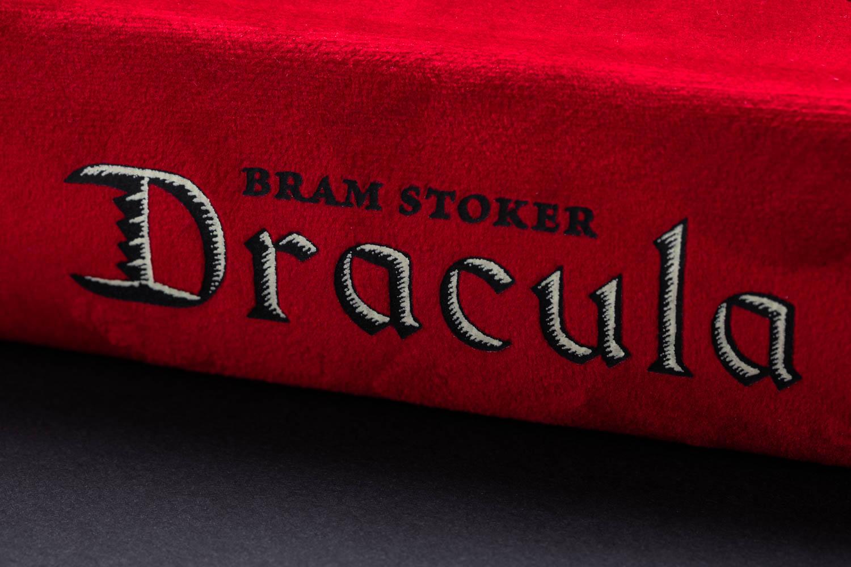 Gallery Header_Dracula Spine